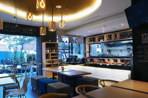 Artotel-Restaurant-1