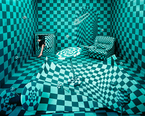 artist-jee-young-lee-panic-room
