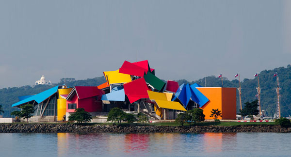 frank-gehry-biomuseum-in-panama-03