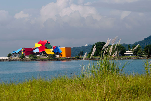 frank-gehry-biomuseum-in-panama-12