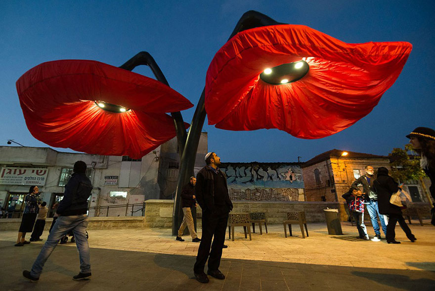 Inflating flowers warde by HQ Architects in Jerusalem - 06