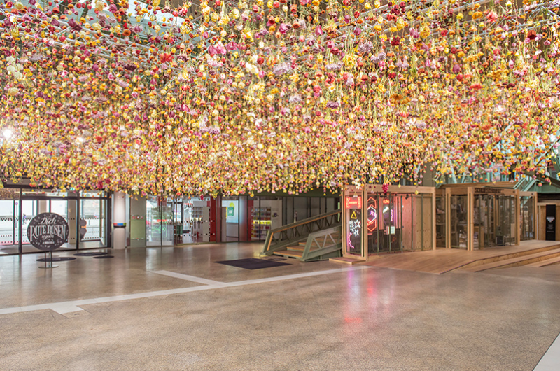 Spring garden installation by Rebecca Louise Law at Bikini Berlin Concept Mall - 04
