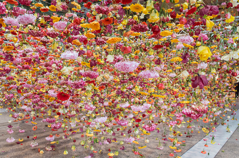 Spring garden installation by Rebecca Louise Law at Bikini Berlin Concept Mall - 05