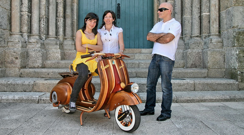 Wooden Vespa designed by Carlos Alberto - 09