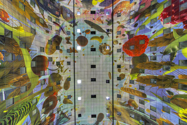 arno-coenen-horn-of-plenty-digital-mural-at-rotterdam-markthal-02