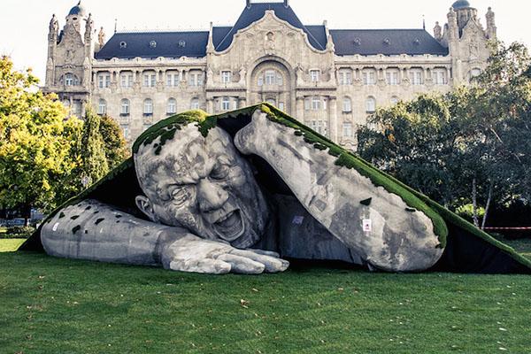 outdoor-human-sculpture- Feltépve-01