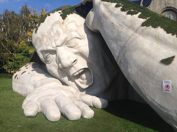 outdoor-human-sculpture- Feltépve-02