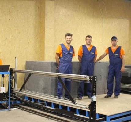 Sėkmingai įgyvendinus vietos verslo projektą Veisiejuose jau gaminamos statybinės plokštės