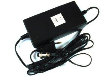 HMParts E - Scooter / E - Bike 3-poliges Ladegerät 24V 1,6A - Lithium Ionen (Li-Ion) -