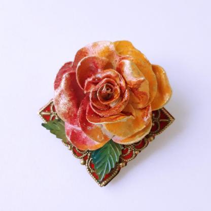 Broșă Marțișor floare pe bază filigranata bronz
