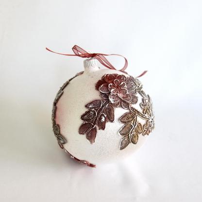Glob Crăciun sticlă 10 cm alb cu dantelă