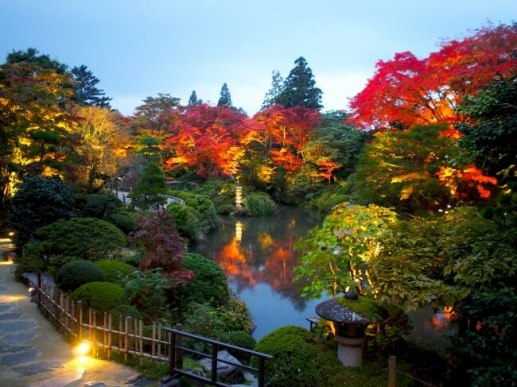 秋の夜長は日光