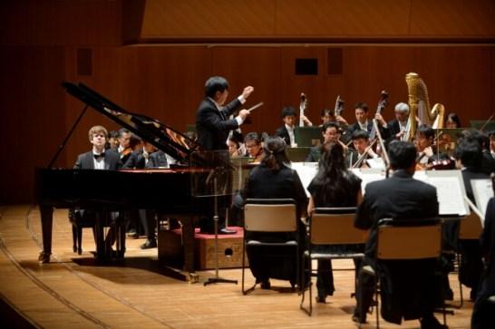 第32回演奏会<コンチェルト>の様子 アレクセイ・ゴルラッチ(Pf) 高関健(指揮) 日本フィルハーモニー交響楽団