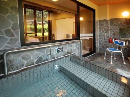 【1位:嬉野温泉】「嬉野温泉 風の宿 旅館 千湯樓」のバリアフリー客室の半露天風呂