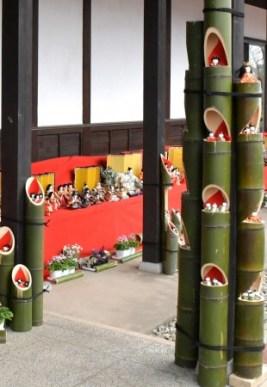"""今年、全会場を彩る手作りの""""竹びな"""""""
