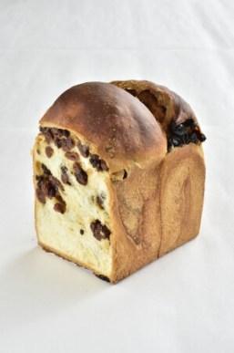 Bakery &Table東府やのぶどう食パン