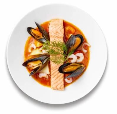 魚介のトマト&サフラン キャセロール風