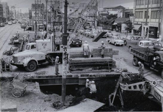 六本木駅付近での工事の様子
