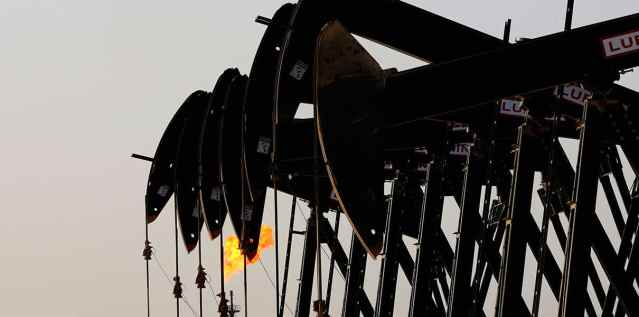 Падение цен на нефть затормозит процесс перехода на электромобили