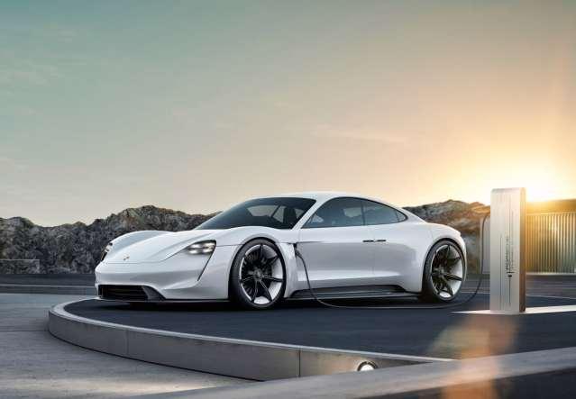 Porsche Taycan: реализация зарядки спорткара в Украине