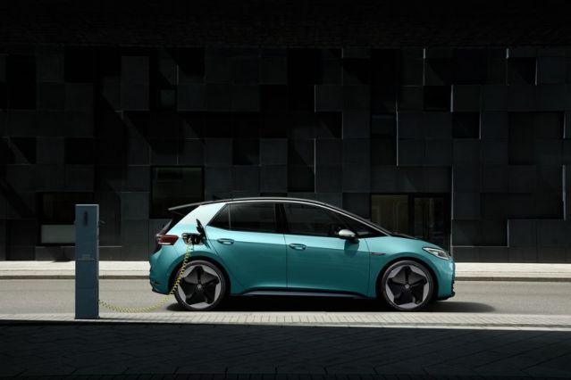Volkswagen перенес выпуск электромобиля ID 3