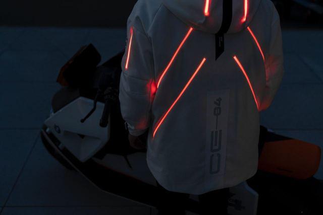 Куртка от BMW