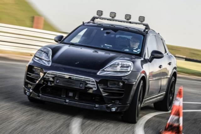 электромобиль Porsche Macan