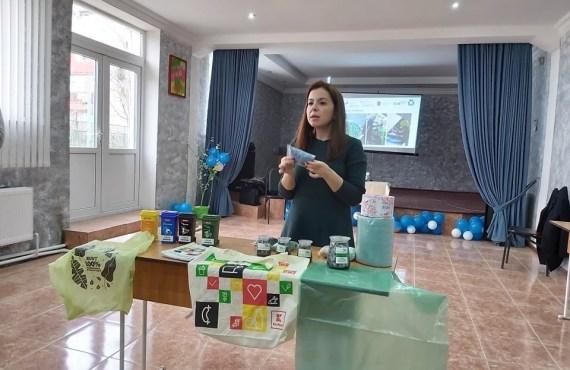 Peste 1 mie elevi din Instituțiile de Învățământ Profesional Tehnic au fost instruiți cum se colectează selectiv deșeurile