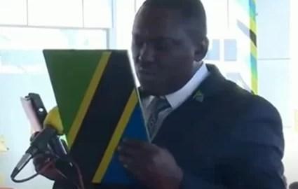 Vídeo Deputado Tanzânia