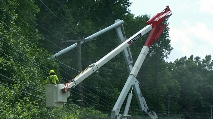 Working Around Power Lines & How You Can Avoid an Accident