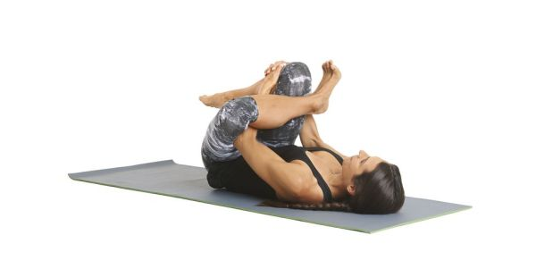 yoga-moves-reclining-pigeon-rw1015bod-08-2-1540416559