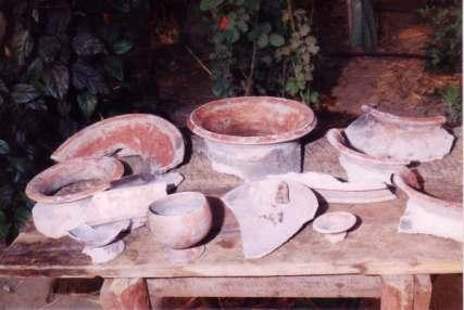 Sin el uso del torno, la fabricacion de cerámica precolombina usaba técnicas muy rústicas