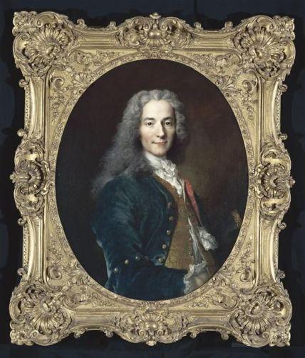 Voltaire: Gran pensador escritor y filósofo, siempre es interesante leer sus obras