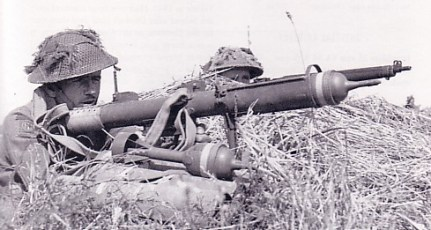 El PIAT,  el arma que permitió el desembarco en Normandía