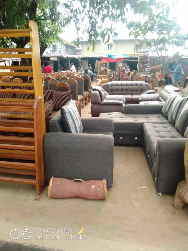 Marché de meubles de Météo 1