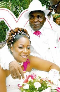 Le comique ivoirien Michel Gohou et famille 1