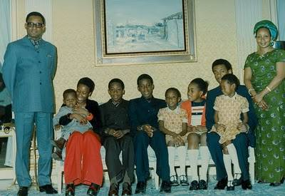 Devoir de mémoire : Mobutu Sese Seko Kuku Ngbendu Waza Banga 4