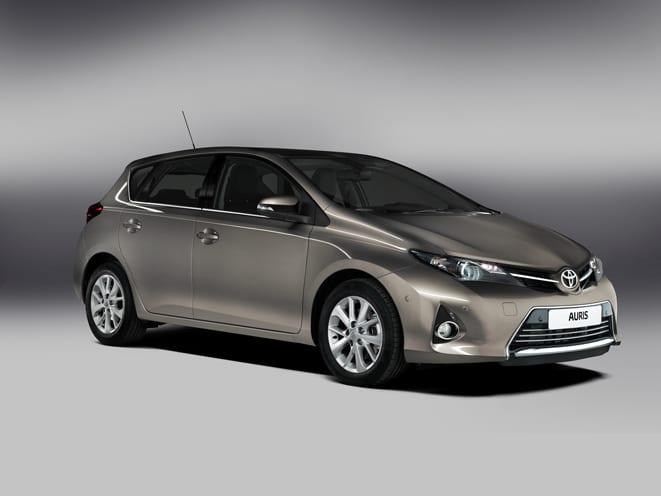 Toyota Auris yenilendi