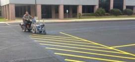 Как в чужбина боядисват паркинги и пътища! Ние живеем в Средновековието! (ВИДЕО)