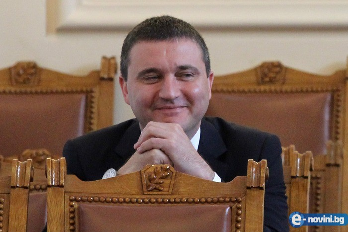 Вижте какъв палат вдигна Владко Горанов само с една заплата! Струва поне 3 милиона! (СНИМКИ)