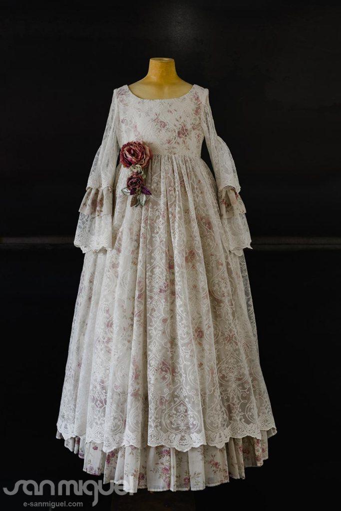 San Miguel, vestidos de comunión