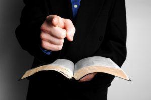 Los Testigosde JehovánieganlaDeidaddeCristo