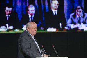 Βλέπει ο Γκορμπατσόφ  στη Ρωσία