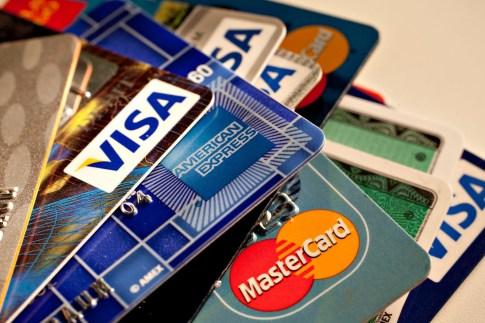 Οι ρυθμίσεις δεν ανακουφίζουν τους υπερχρεωμένους δανειολήπτες τονίζει η Ένωση Καταναλωτών Βόλου