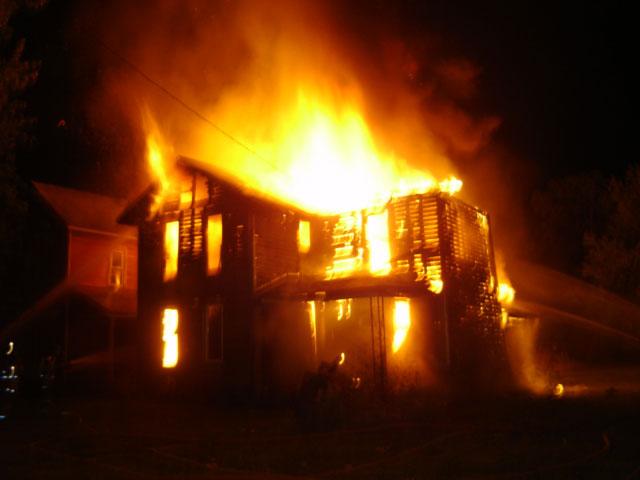 Κάηκε παλιό σπίτι στη Ζαγορά