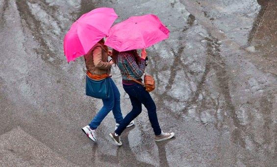 κορίτσα ομπρέλλες