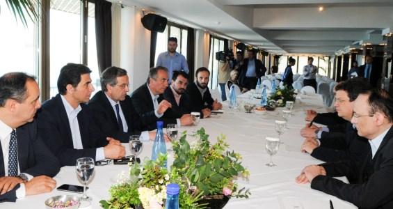 (Ξένη Δημοσίευση) Ο  πρόεδρος της ΝΔ Αντώνης Σαμαράς (3ος Α) συνομιλεί με πρυτάνεις κατά την διάρκεια της συνάντησης του στην Θεσσαλονίκη, Παρασκευή 8 Μαΐου 2015. ΑΠΕ-ΜΠΕ/ΓΡΑΦΕΙΟ ΤΥΠΟΥ ΝΔ/ΓΟΥΛΙΕΛΜΟΣ ΑΝΤΩΝΙΟΥ