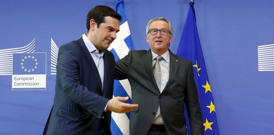 Greek Prime Minister Alexis Tsipras (L) is welcomed by European Commission President Jean-Claude Juncker ahead of a meeting at the EU Commission headquarters in Brussels, Belgium, June 3, 2015. Greece's international creditors signalled on Wednesday they were ready to compromise to avert a default even as Athens warned it might skip an IMF loan repayment due this week.   REUTERS/Francois Lenoir