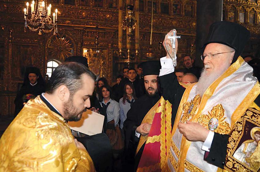 94 χρόνια μετά η Σμύρνη αποκτά μητροπολίτη. Επιλογή του Πατριάρχη ο αρχιγραμματέας της Ιεράς Συνόδου κ. Βαρθολομαίος Σαμαράς