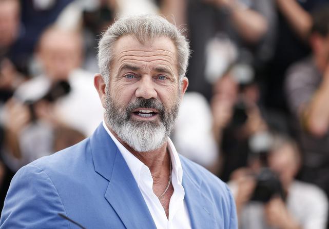 Mel Gibson: O διάσημος ηθοποιός έχει δωρίσει 10 εκατομ.δολάρια στα νοσοκομεία παιδιών με σοβαρές ασθένειες και 7 εκατομ.δολάρια σε Εκκλησία του Μαλιμπού και είναι ιδιαίτερα ευαισθητοποιημένος σε θέματα που αφορούν κυρίως τα παιδιά.